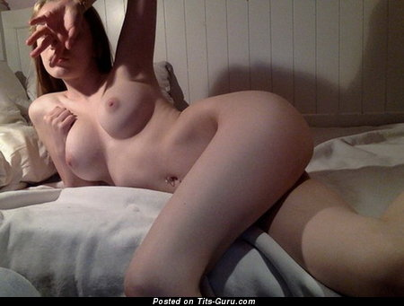 Topless amateur nice woman with medium tittys pic