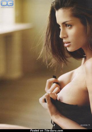 Beatrice Chirita - картинка обалденной голой девушки