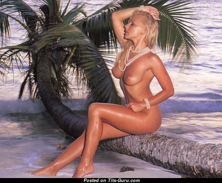 Karen White - Gorgeous British Blonde with Gorgeous Bare Natural Chest on the Beach (Hd Xxx Photo)