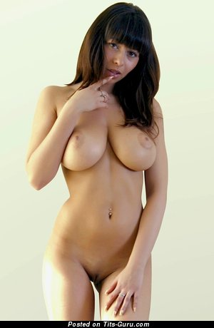 Image. Busty Alli - naked amazing woman with medium natural breast picture