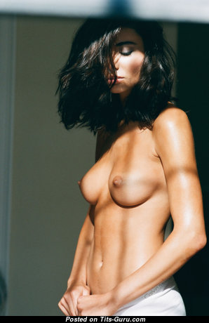 Gorgeous Topless Brunette with Gorgeous Exposed Real Med Boob (Hd Sex Pic)