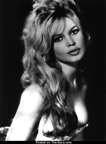Brigitte Bardot - Amazing French Blonde with Amazing Defenseless Natural Boob (Hd 18+ Pic)