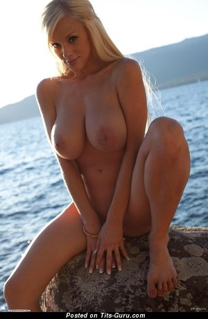 Nude blonde with big natural boobs picture