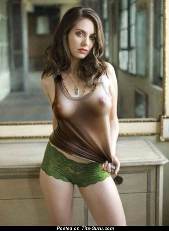 Alison Brie - Cute American Actress with Cute Exposed Real Medium Sized Tits (18+ Photo)