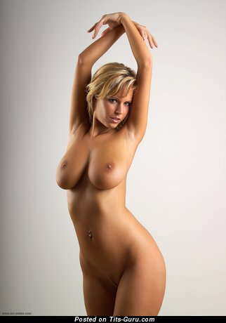 Image. Zuzana Drabinova - naked nice female with medium tits picture