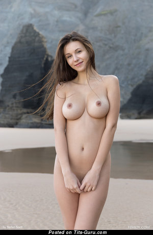 Alisa - sexy nude beautiful woman with medium natural boobies picture