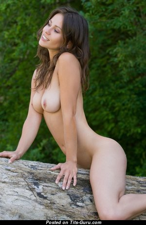 Appealing Babe with Appealing Nude Natural Normal Tit (Hd 18+ Image)