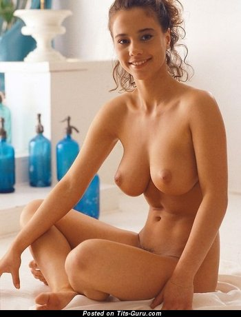 Image. Naked nice lady with medium natural tittys image