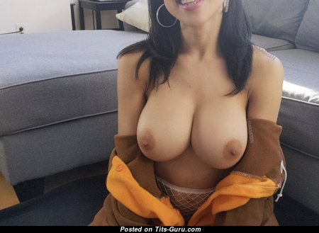 Splendid Naked Brunette Babe with Big Nipples is Undressing (Amateur Porn Photoshoot)