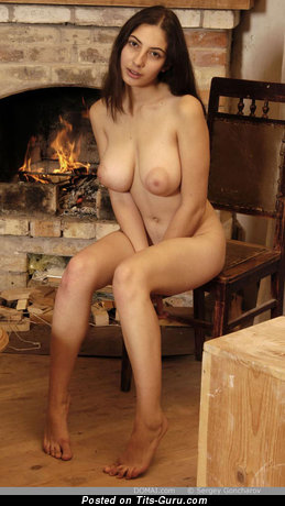 Image. Angela - nude amazing woman with medium natural boobies pic