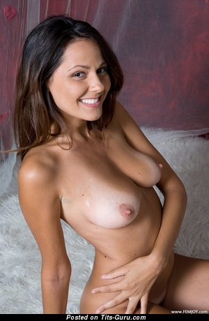 Image. Chiara - nude nice lady with medium natural tots pic