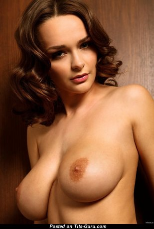 Marvelous Glamour Undressed Brunette (Hd Xxx Picture)