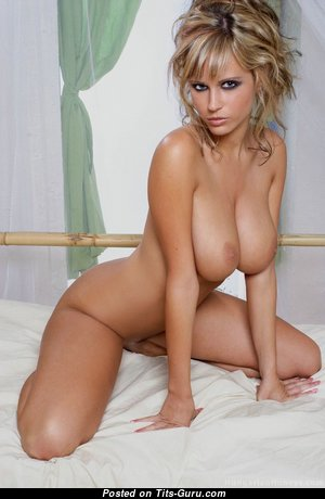 Cute Blonde with Cute Bare Normal Balloons (Hd Sexual Photo)