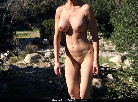 Image. Naked awesome lady pic
