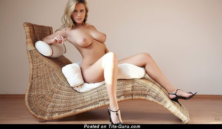 Image. Nude amazing lady with big natural tittys photo