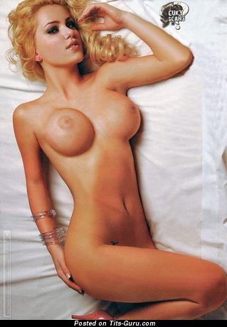 Mariana Diarco - Perfect Argentine Blonde with Perfect Bare Round Fake Big Jugs (Xxx Wallpaper)