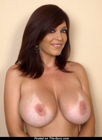Elegant Topless Latina Brunette Mom & Housewife with Inverted Nipples (Xxx Foto)