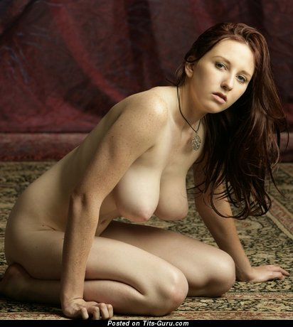 Image. Sarah - nude brunette with big natural tittes and big nipples photo