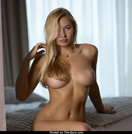 Sweet Undressed Blonde (Porn Picture)