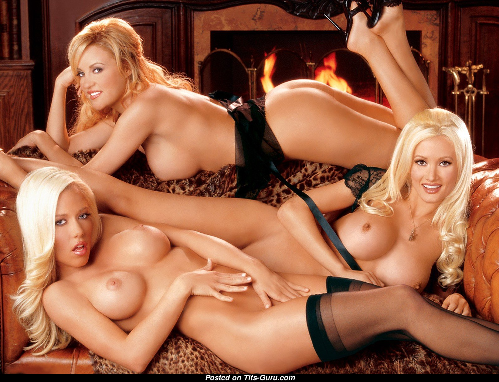 Watch Singles Erotic Games And Have Fun Inside Playboy Mansion
