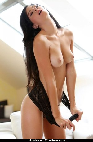 Grand Girl with Grand Naked Natural C Size Breasts (Hd Sexual Foto)