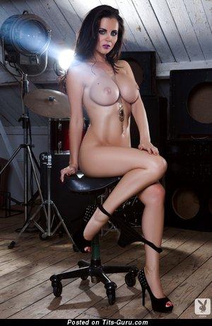 Изображение. Картинка невероятной голой девахи