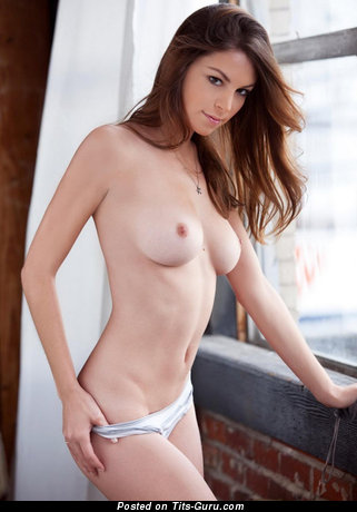 Amber Sym - naked red hair with medium natural tittes picture