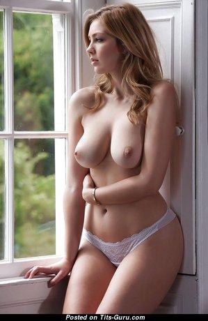 Cute Topless Blonde Babe (Hd Porn Pic)