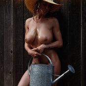 Wonderful Babe with Wonderful Open Natural Average Jugs (Hd 18+ Photo)