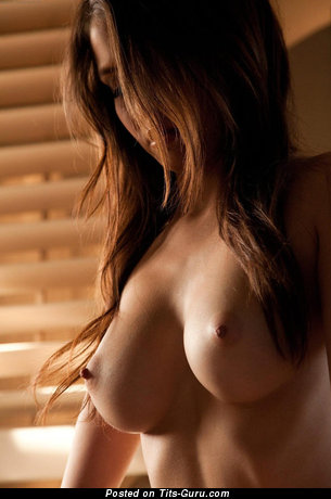 Hot Floozy with Hot Naked Big Busts (18+ Image)