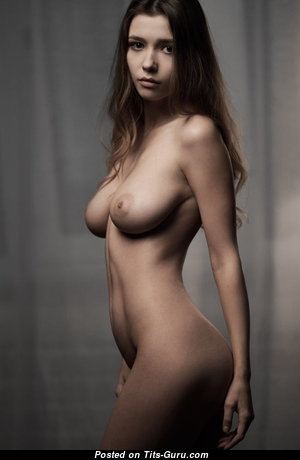 The Nicest Babe with The Nicest Open Natural Tight Tittys (Xxx Pix)