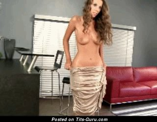 Image. Lizzie Ryan - nude beautiful woman with medium natural breast gif