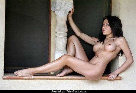Image. Naked awesome woman with medium boob pic