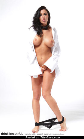 Image. Rachelle Wilde - sexy naked brunette with medium breast and big nipples image