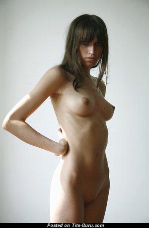 Изображение. Изображение умопомрачительной обнажённой девушки