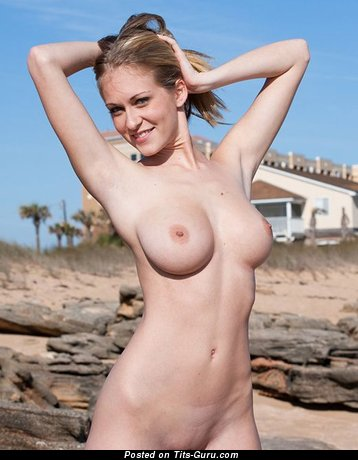 Image. Naked hot lady with natural breast picture