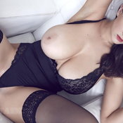 Fascinating Babe with Fascinating Bare Real G Size Boobs (Sexual Photo)