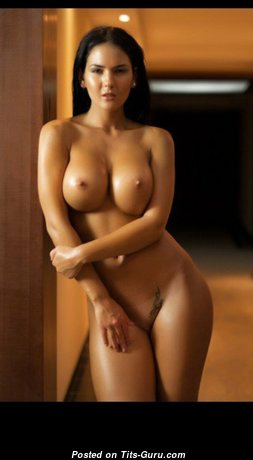 Splendid Naked Babe (Hd 18+ Picture)