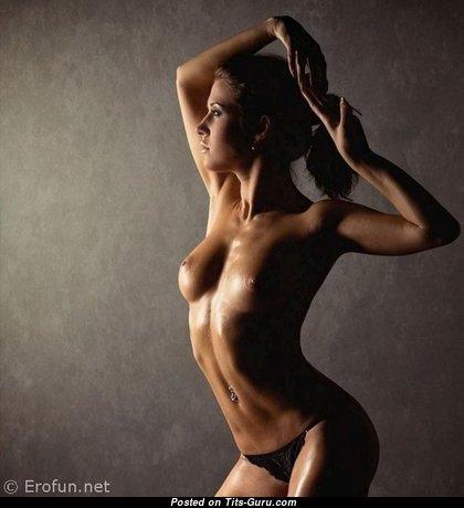Perfect Nude Brunette (18+ Photo)