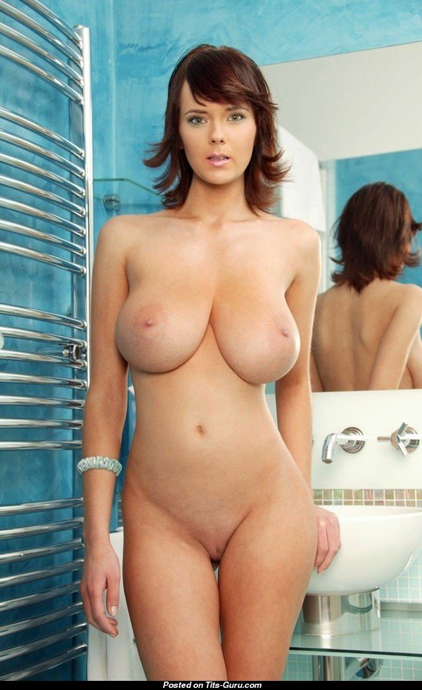 Women with large natural tits