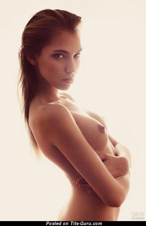 Image. Naked nice girl with medium boob pic