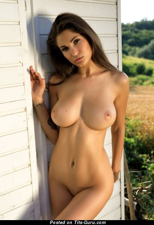 Sexy naked awesome female with medium natural tittys image