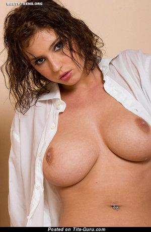 Elvira - sexy nude brunette with medium natural boob image