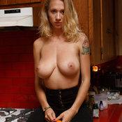 Natasha Legeyda - hot woman with big tittes photo