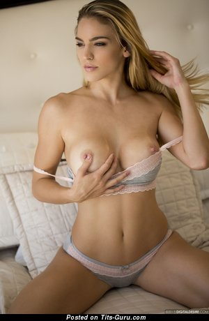 Charming Undressed Blonde (Hd Sexual Picture)