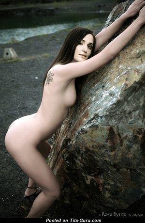 Rose Byrne - Nice Undressed Australian Babe (Hd Porn Image)