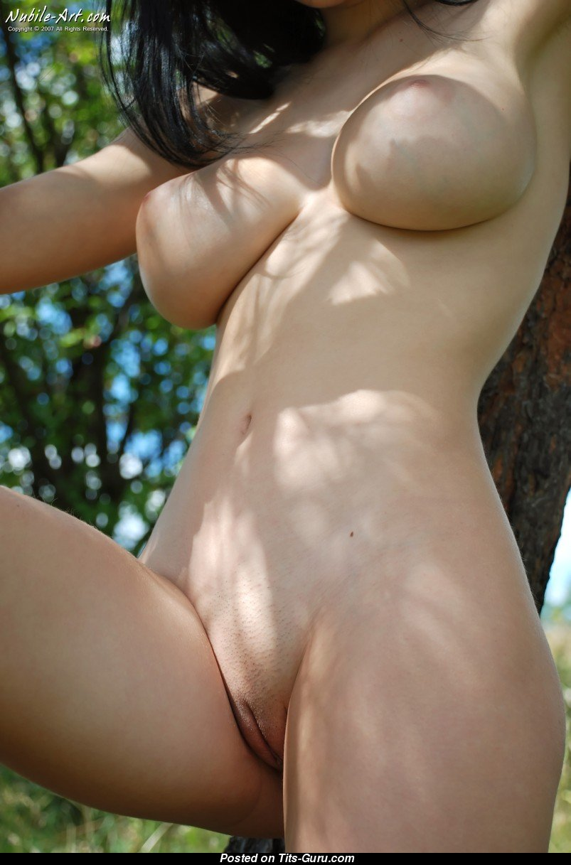 порно у девушки стоет саски