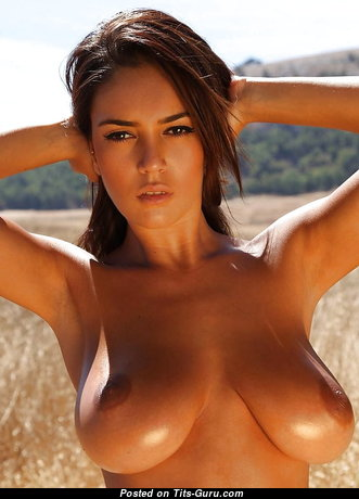 Pretty Babe with Pretty Bare Real Normal Titties (Sex Photoshoot)
