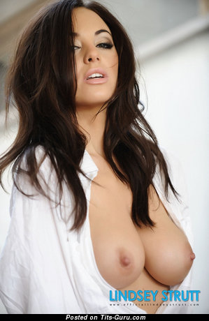 Image. Lindsey Strutt - nude awesome female with big natural tits and big nipples image