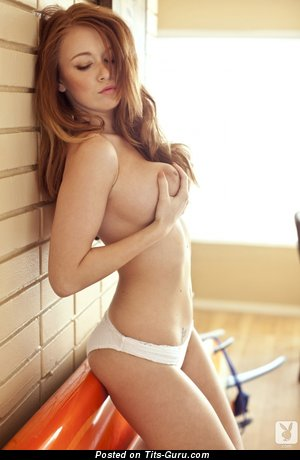 Leanna Decker - nude awesome woman with big natural tittes pic